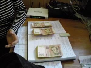 Гроші, вилучені у чиновниці Інспекції з питань захисту прав споживачів у Черкаській області