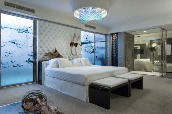 bed-water-suite-five-star-resort_c1add65cdbc8440af584b8042dde22cd