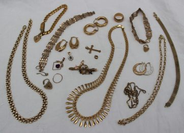Assorted 9ct yellow gold including necklaces, earrings, rings and bracelets. Sold for £700 at Anthemion Auctions