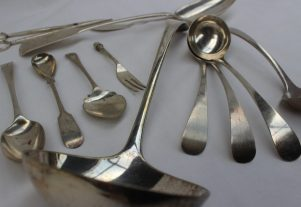 A William IV silver serving spoon, London, 1831, together with a silver dessert spoon, three silver sauce ladles, silver butter knife, electroplated ladles, weighable silver approximately 310 grams etc. Sold for £110 at Anthemion Auctions