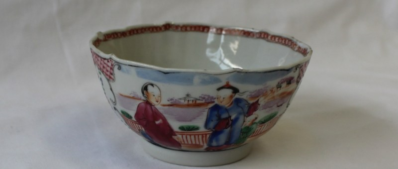 A 19th century Chinese porcelain tea bowl, decorated with figures, 10.5cm diameter. Sold for £20 at Anthemion Auctions
