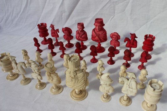 A late 18th / early 19th century French carved ivory and bone bust type chess set, possibly Dieppe. Sold for £1,700 at Anthemion Auctions