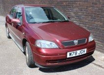 A Vauxhall Astra CD 1.6 16v in red, five door hatchback, first registered 5/5/2000 registration number W78 JCH. Sold for £150 at Anthemion Auctions