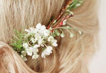 λεπτομέρεια στεφανιού με λουλούδια