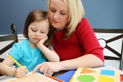 mom-teaching-daughter