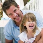 Η ανατροφή των παιδιών στις μητέρες και το παιχνίδι στους άντρες