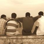 Σε μία επταετία χάνονται οι μισές φιλίες