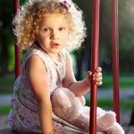 Πώς βλάπτουμε το μέλλον της κόρης μας (χωρίς να το καταλαβαίνουμε)