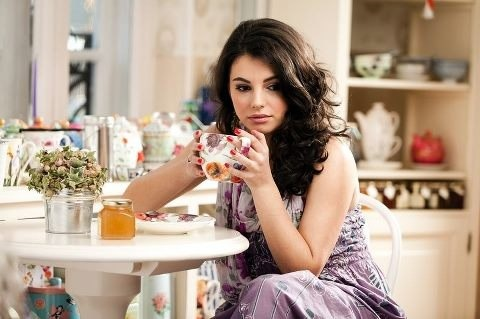 woman-drink-tea