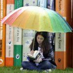 Ανεβάζουν το μορφωτικό επίπεδο των παιδιών τα βιβλία σε ένα σπίτι
