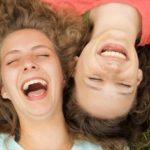 10 πράγματα που συμβαίνουν, όταν χάνετε τους παιδικούς σας φίλους