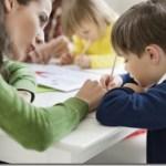 Πόσο και κυρίως, πως πρέπει να βοηθάτε τα παιδιά στο διάβασμα και τις εργασίες