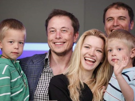while-his-career-was-ramping-up-musk-in-2000-married-justine-musk-the-couple-went-on-to-have-five-kids-a-set-of-twins-and-a-set-of-triplets-all-of-whom-are-boys-musk-is-now-twice-divorced-a-second-marriage