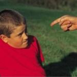 Οι γονείς «κέρβεροι» και ο υπερβολικός έλεγχος – Νέες έρευνες για τις επιπτώσεις στα παιδιά'