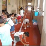 Η ώρα της καθαριότητας στα σχολεία της Ιαπωνίας