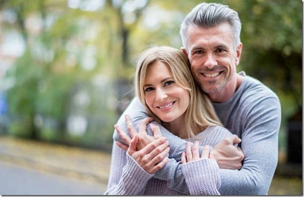 το να βγαίνεις με μεγαλύτερους άντρες κανόνας 3 ετών dating Καλιφόρνια