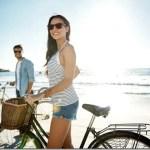 Το να είσαι σε σχέση έχει μικρή επίδραση στη συνολική ευτυχία, λέει μια νέα μελέτη