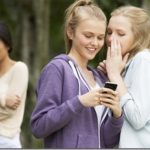 Πόσες ώρες συναναστροφής χρειάζονται για να εδραιωθεί μια φιλία;