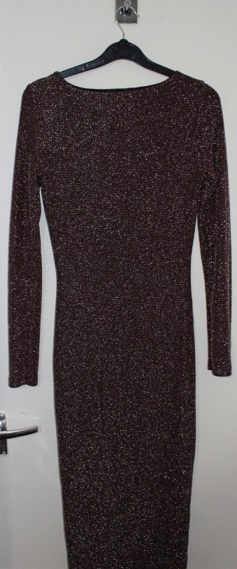 Topshop Sparkly Burgundy Midi Dress: Current Price £5 http://www.ebay.co.uk/itm/Topshop-Sparkly-Burgundy-Midi-Dress-UK-10-/322259182172?hash=item4b0824e25c:g:irQAAOSwMgdX1T5p