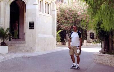 2008. On a sketching tip to Jerusalem.
