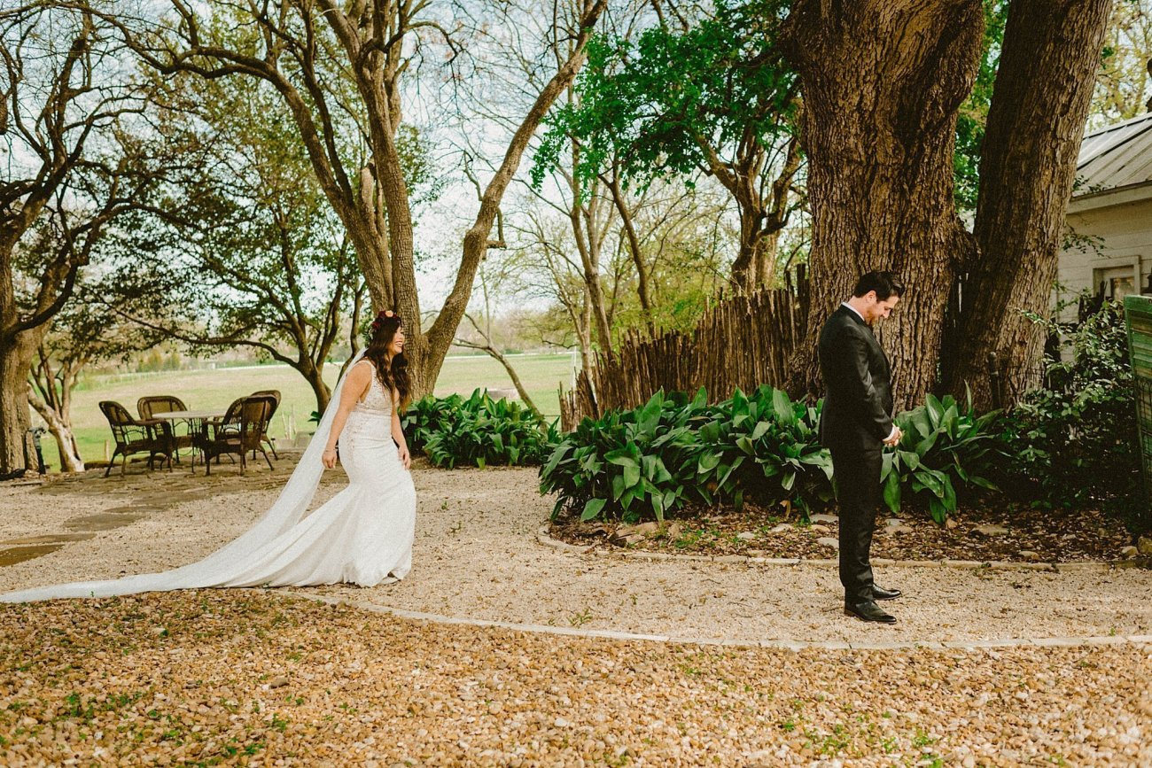 romantic texas wedding first look
