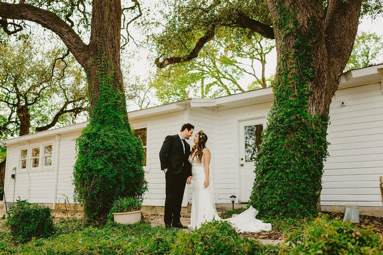 romantic texas wedding gruene estate