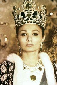 Kaiserin Farah Pahlavi war eine Gönnerin Nasrs.