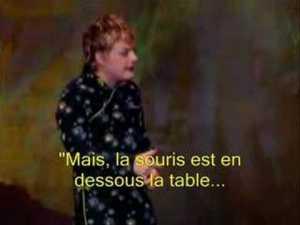 """Eddie Izzard: """"Mais, la souris est en dessous la table..."""""""