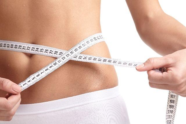 お腹痩せダイエットの方法を試したウエスト痩せを成功した女性の写真
