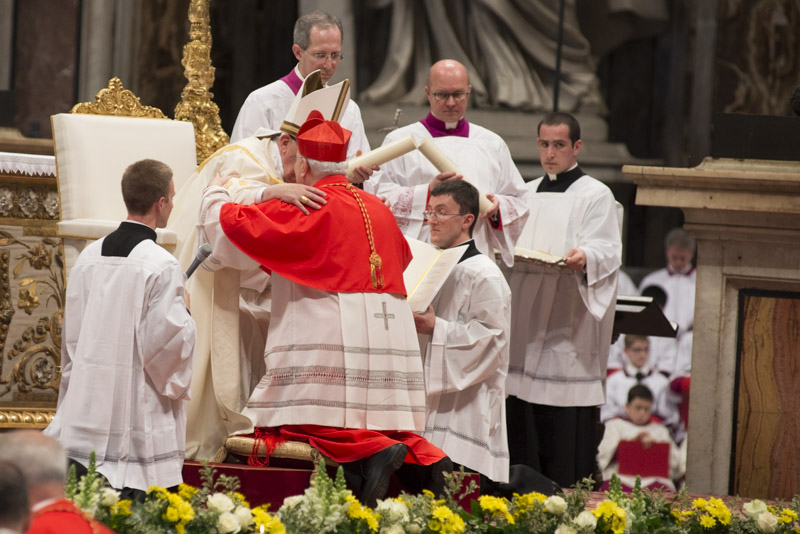 """Quelle """"schegge impazzite"""" a capo della Chiesa cattolica…"""