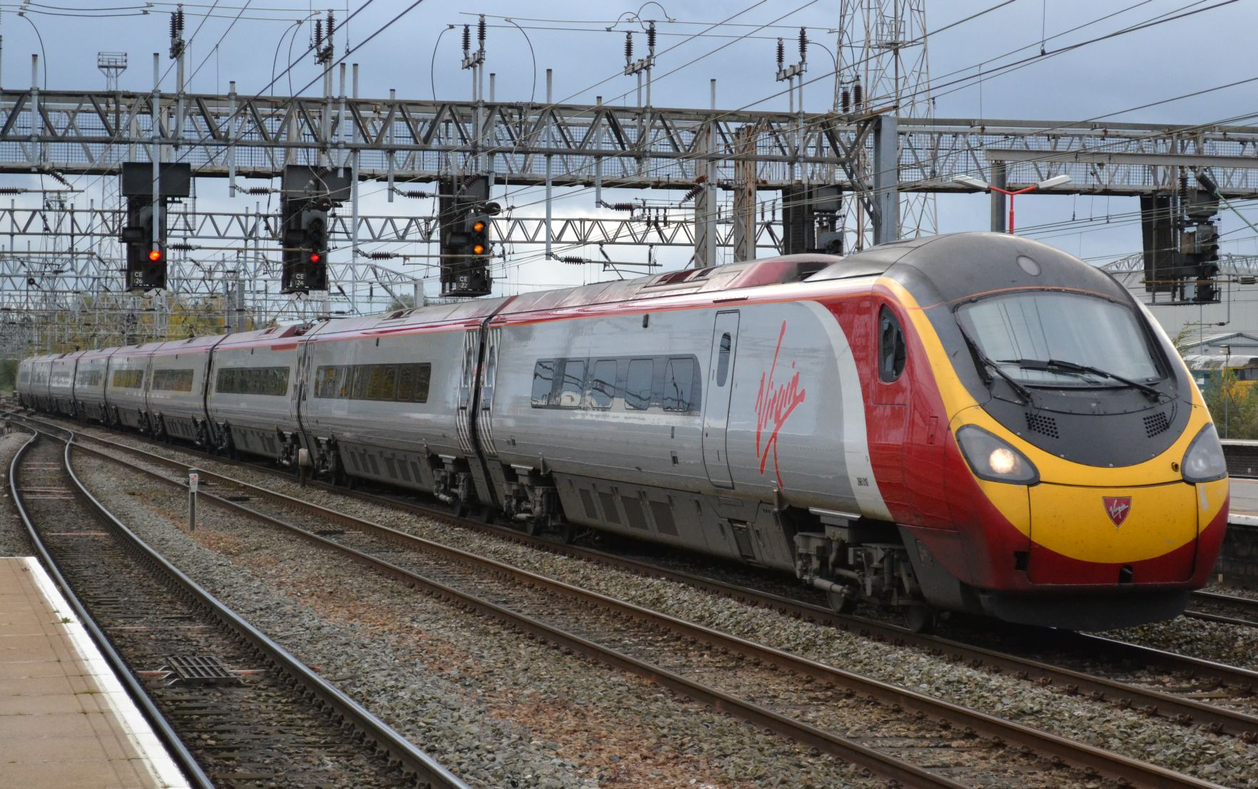 https://i1.wp.com/antidepaware.co.uk/wp-content/uploads/2014/01/Pendolino1.jpg