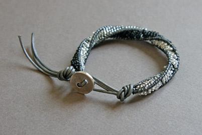 Pulsera-CHAN-LUU-3D-grey