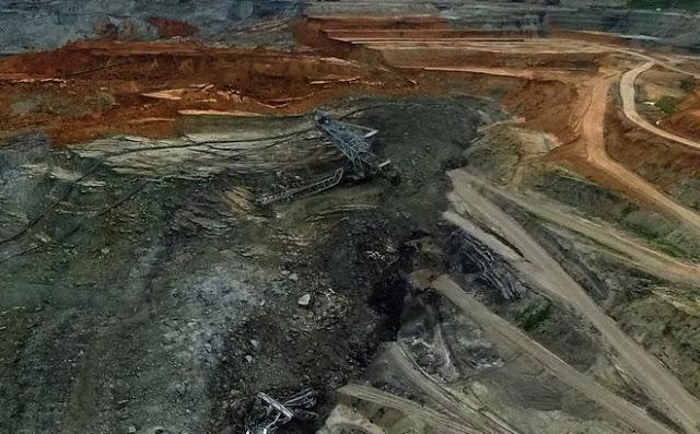36b2c3ebe4 Εντυπωσιακά είναι τα στοιχεία που έρχονται στο φως για τη μεγάλη  κατολίσθηση της 10ης Ιουνίου στο ορυχείο Αμυνταίου της ΔΕΗ. Το φαινόμενο  βρισκόταν σε ...