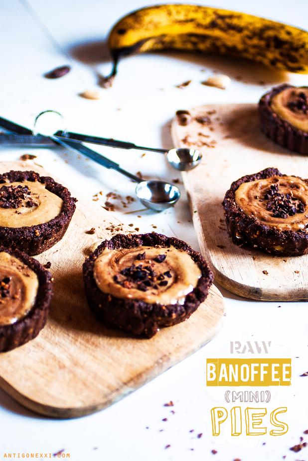 Raw Banoffee (mini) Pies - Antigone XXI