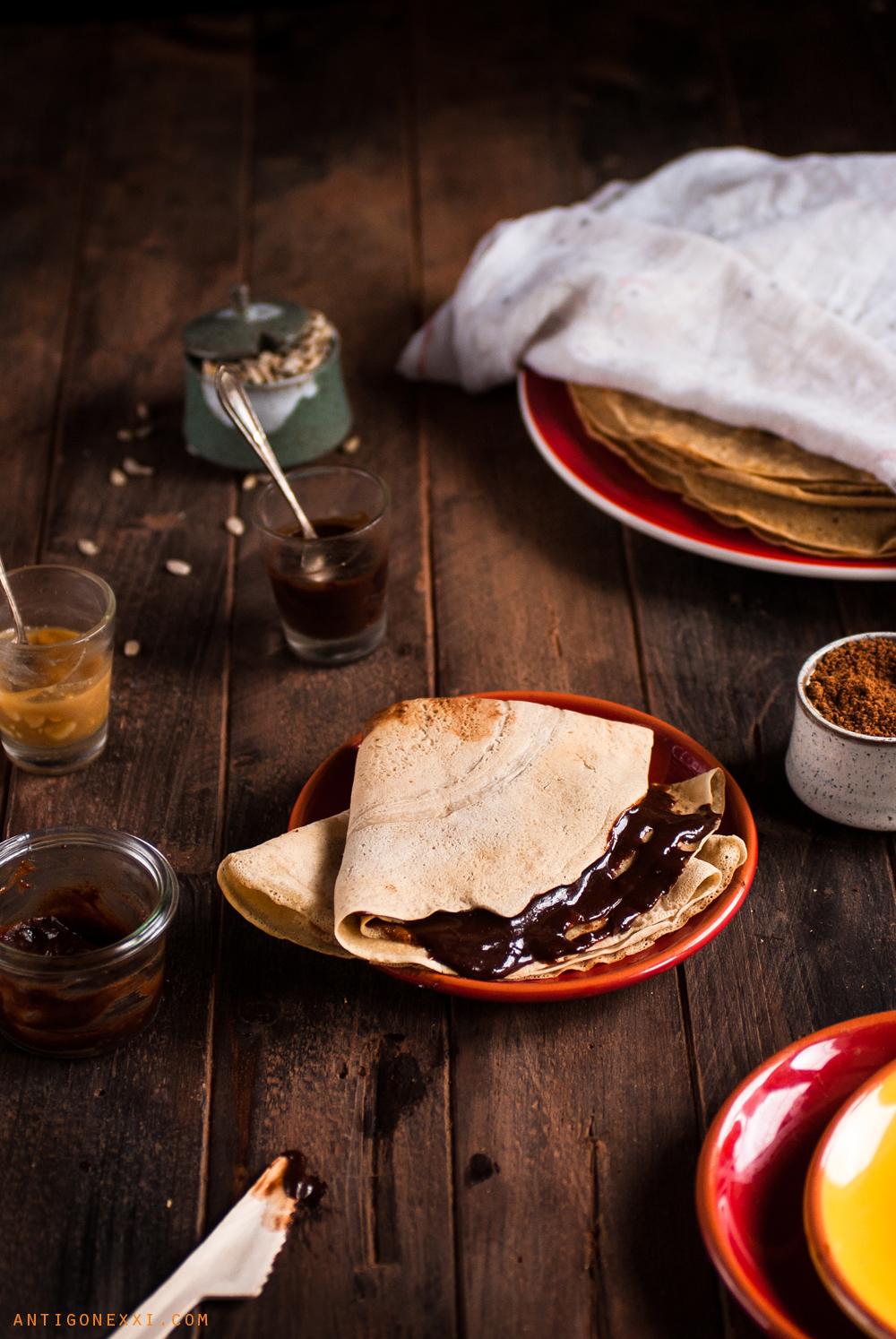 Crêpes véganes {sans oeufs ni lait} ultra-faciles (avec ou sans gluten) | Antigone XXI