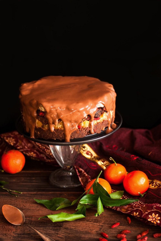 Extrait de mon nouveau livre, la Pâtisserie Crue : gâteau choco-mandarine et noix! Antigone XXI
