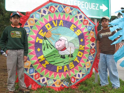 Giant Kite and Guatemalan idiosyncrasy