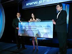 Stephanie Falla Gana Mejor Proyecto Futuro en Exponet