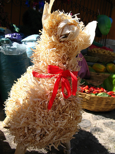 Guatemalan Christmas Decorations: Corderos de Tusa
