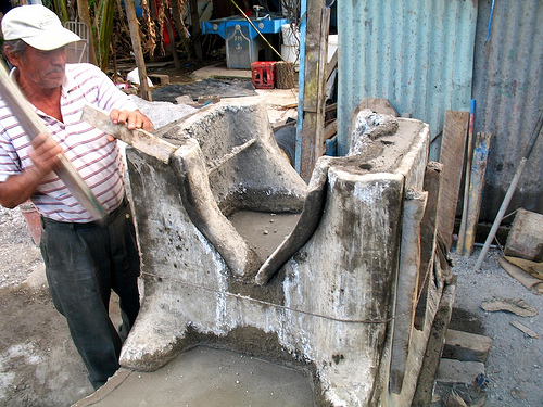 Making Pilas: Setting the Mold