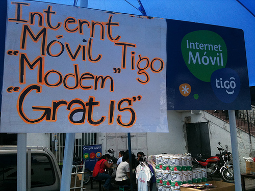 Free Internet 3G Modems by  Rudy Girón