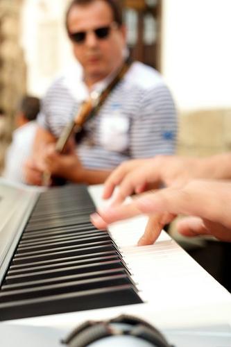 Jazz Recitals on Calle del Arco by Rudy A. Girón