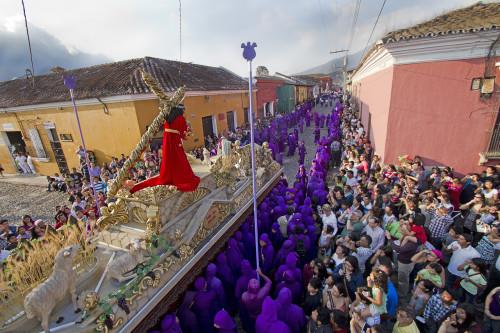 Lent Sunday Processions: 2nd Santa Inés by Nelo Mijangos