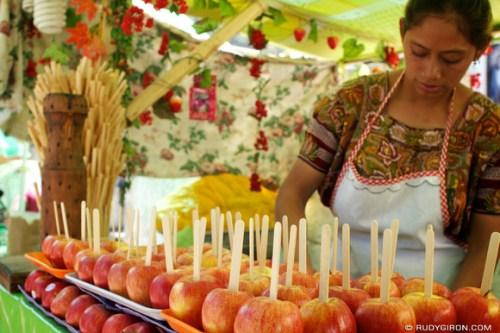 Rudy Giron: AntiguaDailyPhoto.com &emdash; Lent Food: Candied Apples