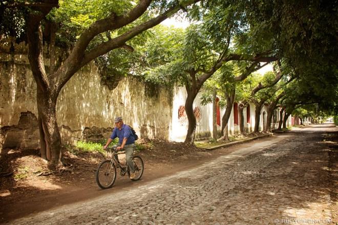 Rudy Giron: AntiguaDailyPhoto.com &emdash; Bike Riding Through the Back Roads