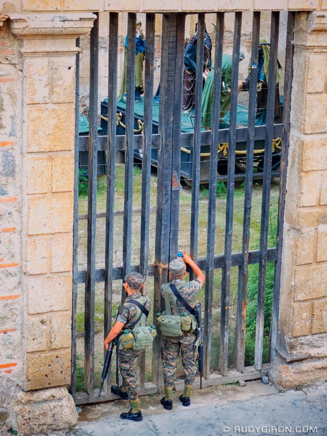 Rudy Giron: AntiguaDailyPhoto.com &emdash; Soldier Photographers in Antigua Guatemala