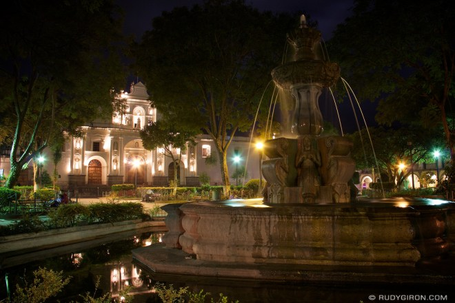 Rudy Giron: AntiguaDailyPhoto.com &emdash; Antigua Guatemala Nights At the Park