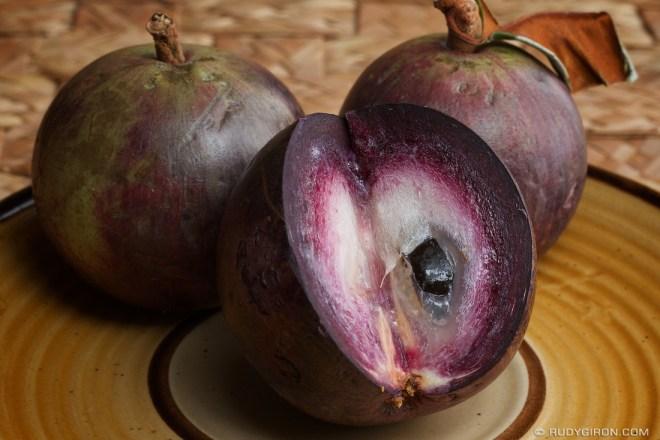 Rudy Giron: AntiguaDailyPhoto.com &emdash; Guatemalan Caimito or Star Apple Fruit
