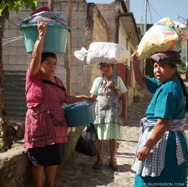 Rudy Giron: Antigua Guatemala &emdash; Hard-working Guatemalan Women