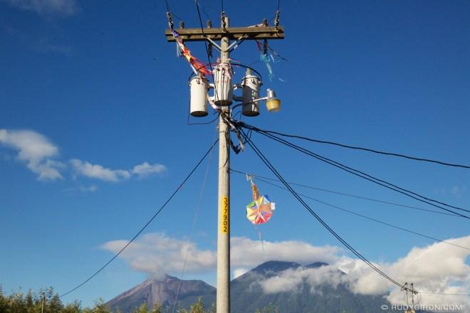 Rudy Giron: Antigua Guatemala &emdash; Kite Catchers Around Antigua Guatemala